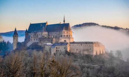 Schloss, Sessellift, Kunst, Wanderwege und mehr