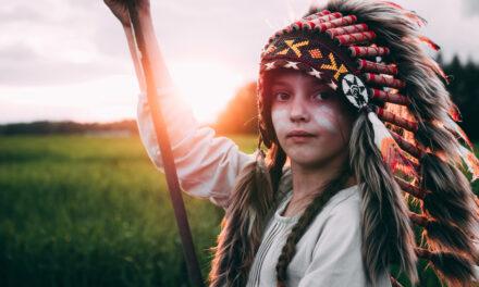 Liewen ewéi e richtegen Indianer